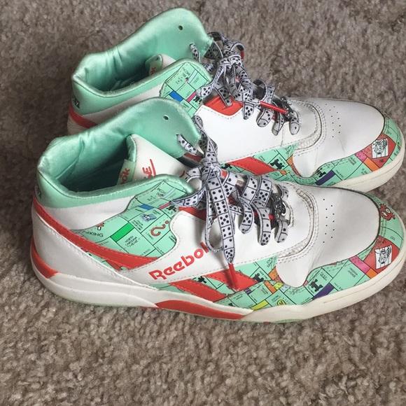 3098cbee0635c6 Reebok Men s Reverse Jam Mid Sneaker. M 5b7db8232830955efe6c8606